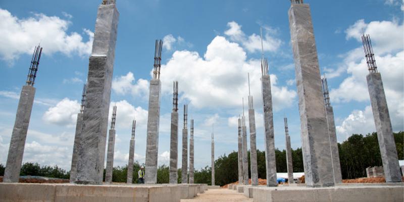 Pilares Curados De Hormigón
